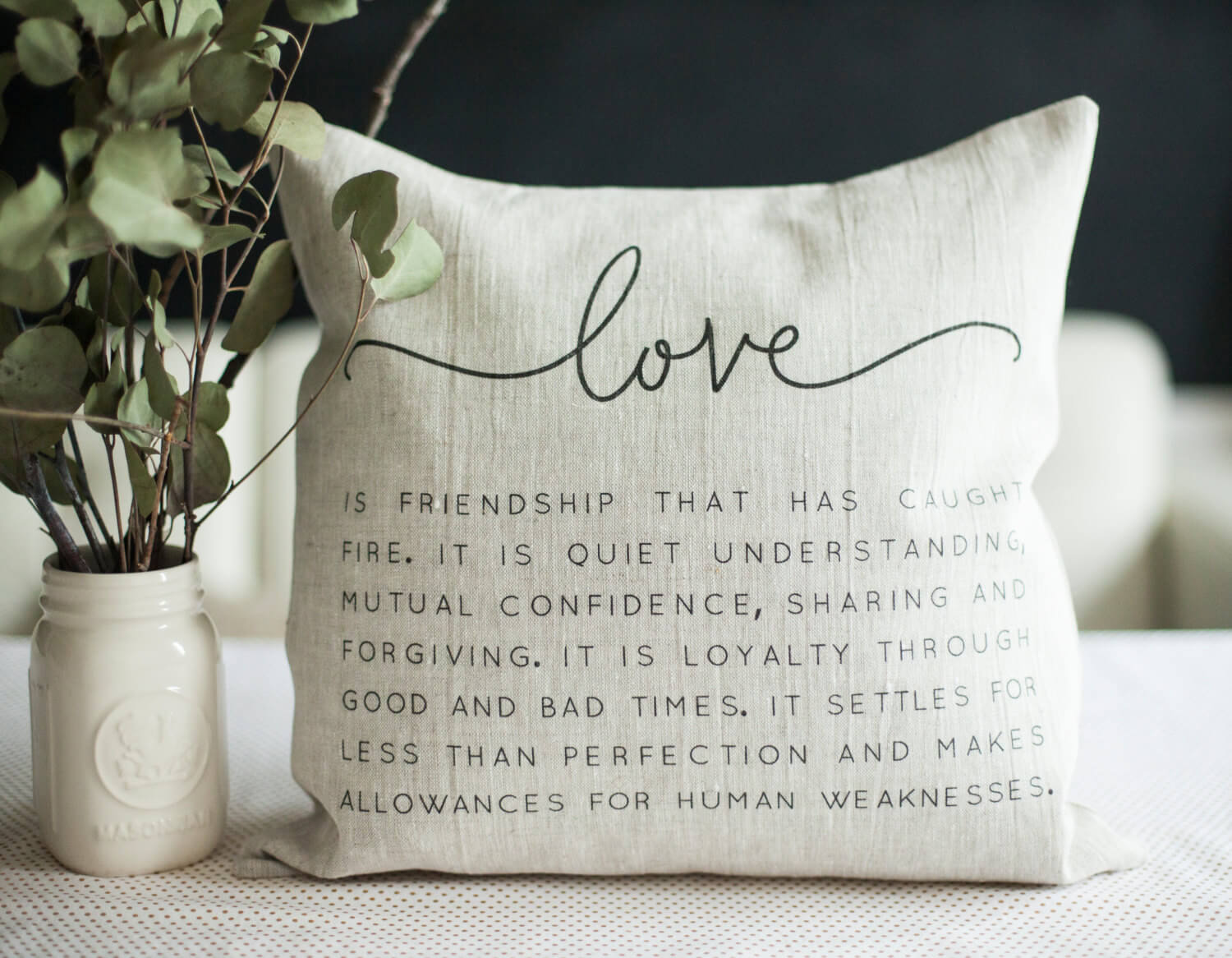 Love quote linen pillow