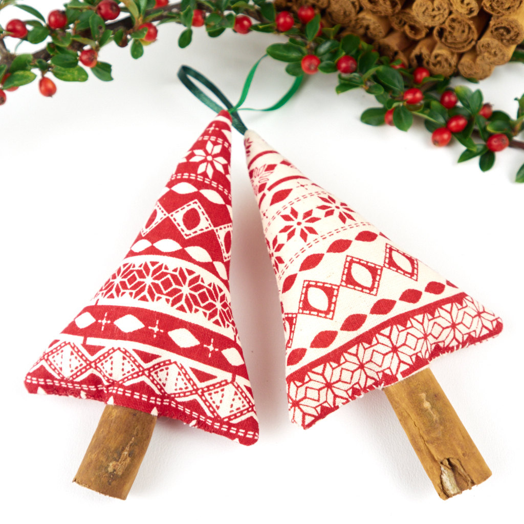 Handmade christmas decorations adorable home for Handmade things for decoration