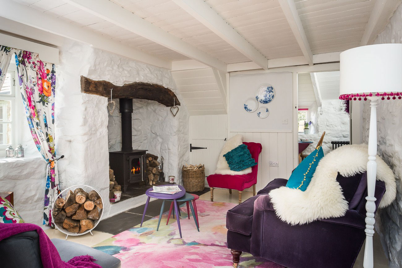 a romantic cottage amid the cornish moors adorable home. Black Bedroom Furniture Sets. Home Design Ideas