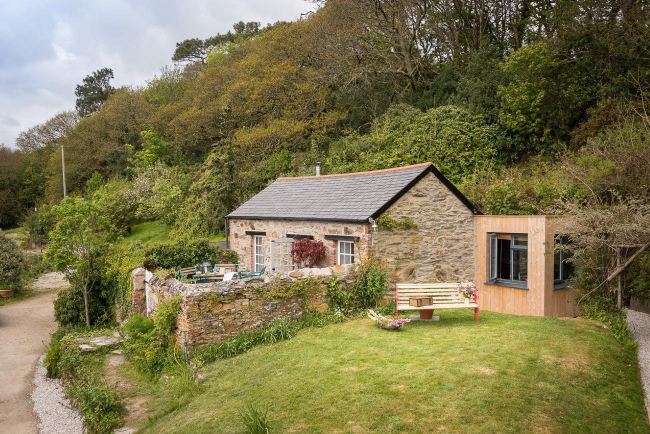 Stylish country cottage in Cornwall, UK