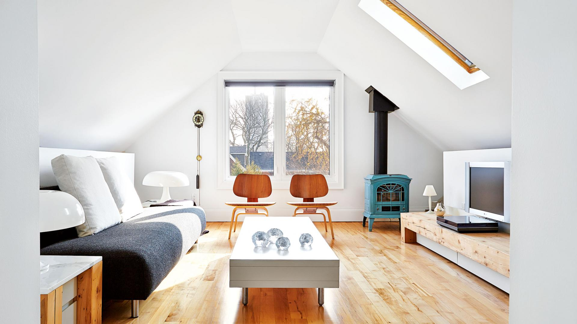 39 attic living rooms that really are the best adorable - Small attic room design ideas ...