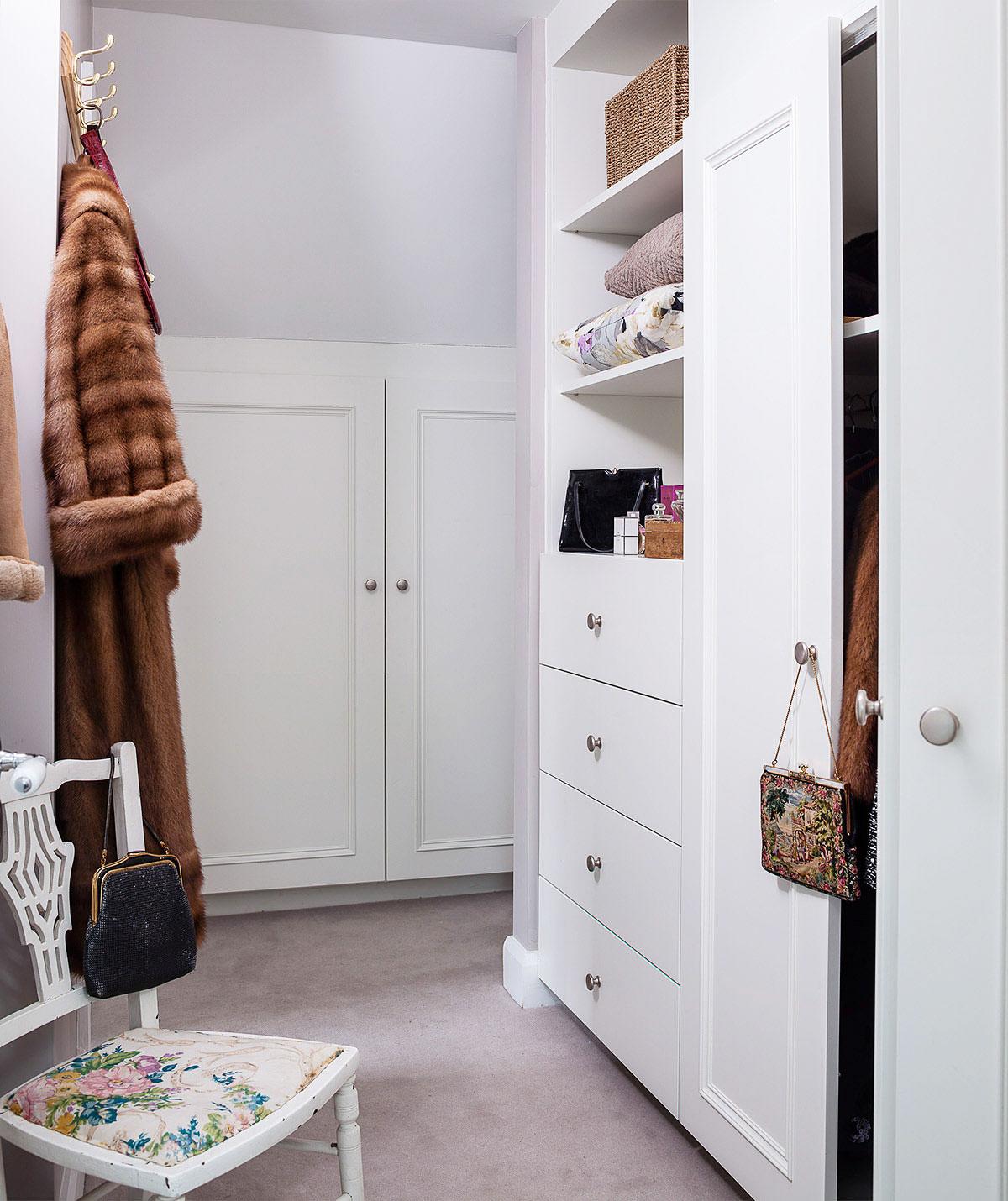 Dream-Cottage-Closet