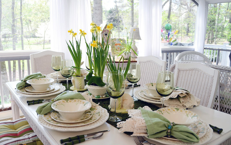 Fresh And Cheerful Easter Table Settings And Centerpieces   Adorable Home
