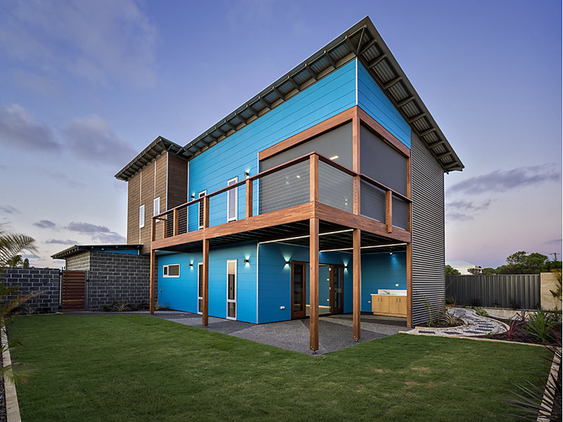 Blue modern two story beach house for Contemporary house plans two story