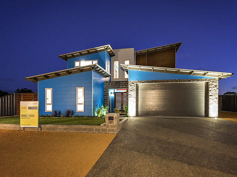 Modern two story house in australia adorable home for Double storey beach house designs