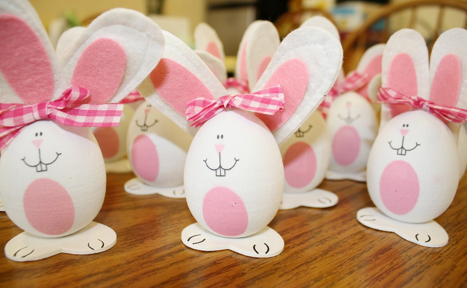 Pink egg-shaped bunnies as a Easter decoration
