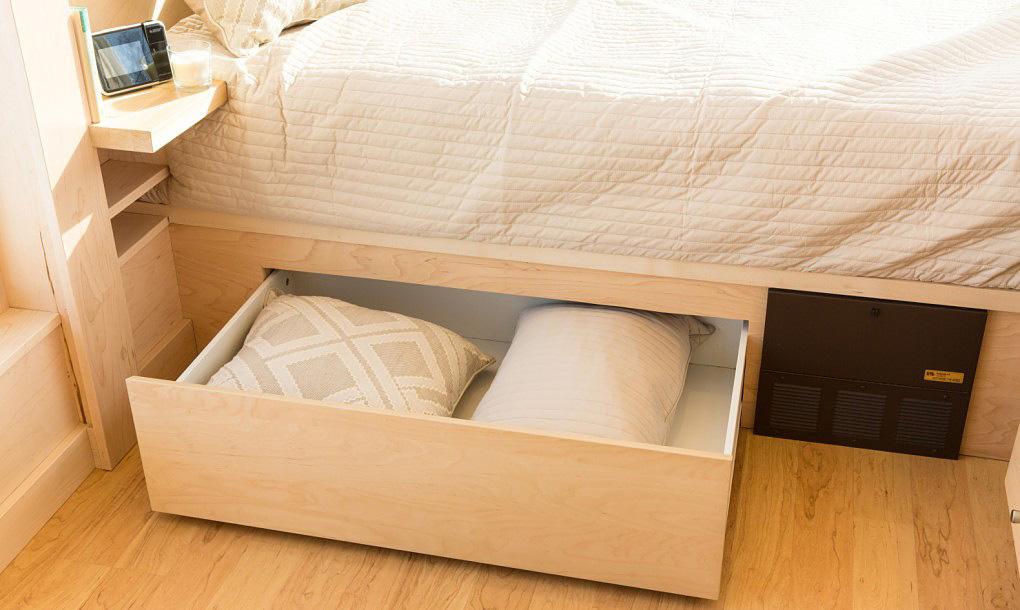 Underbed-storage-space-2