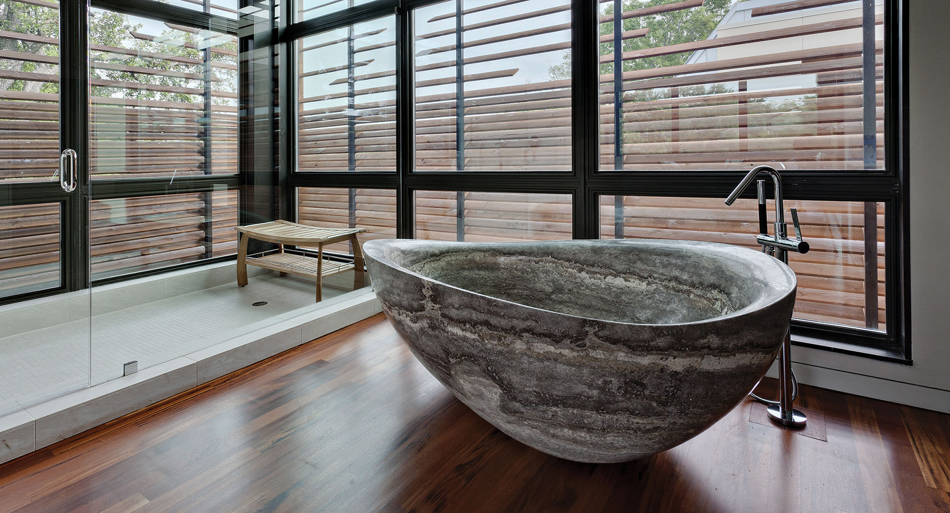 Stone bathtub by Stone Forest