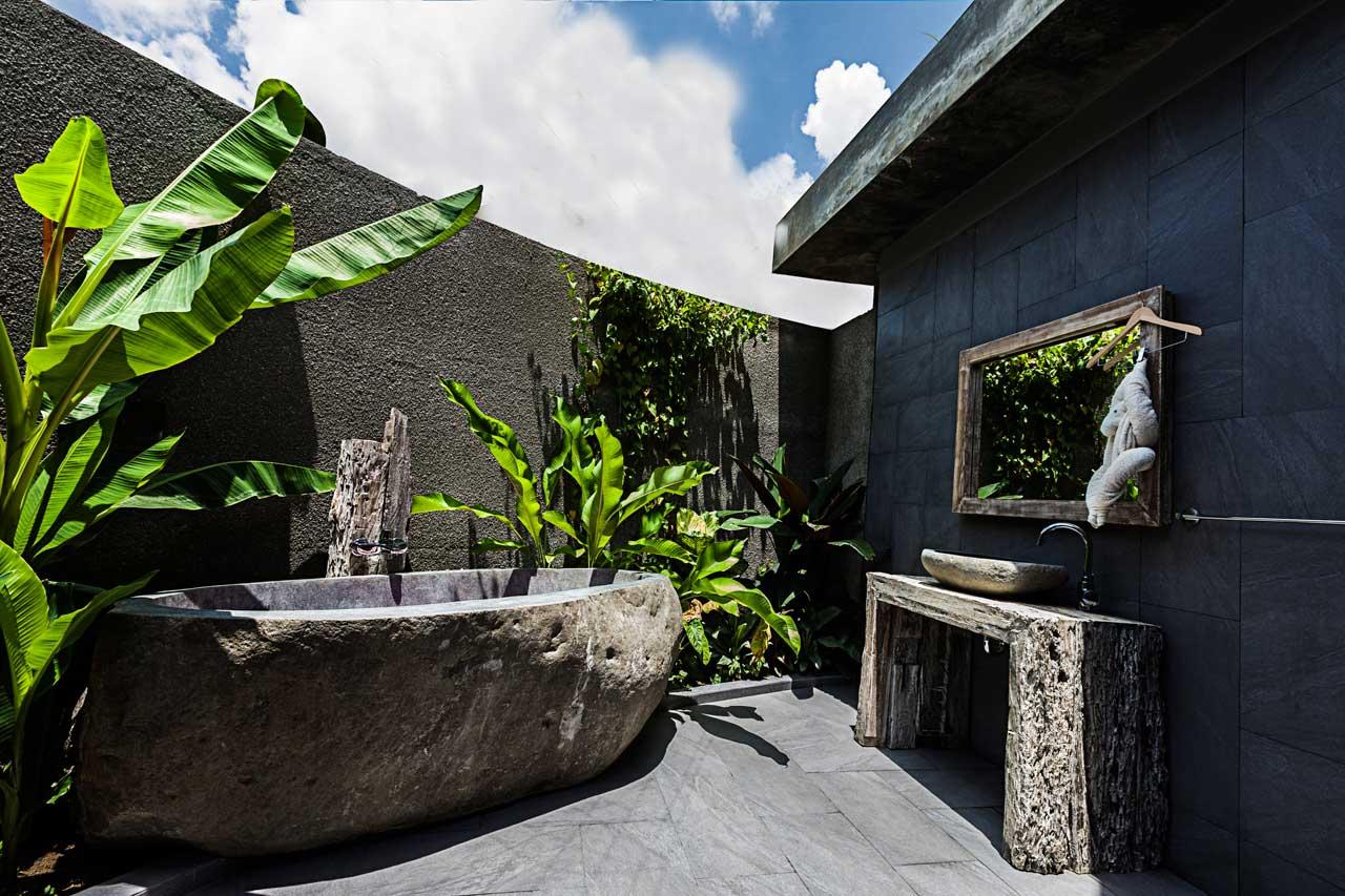 Stone bathtub in Villa De Moksha