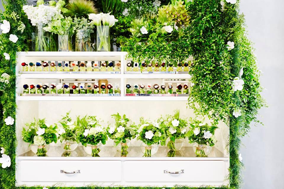 Flower shop by Makoto Azuma