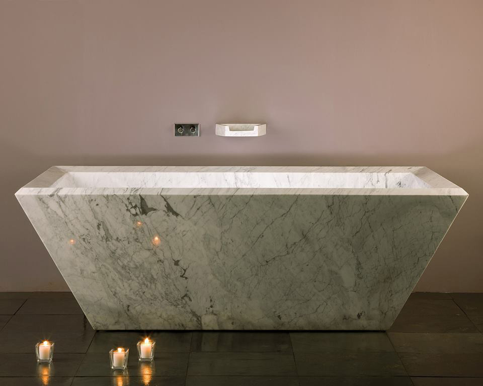 Carrara marble Rubix bathtub