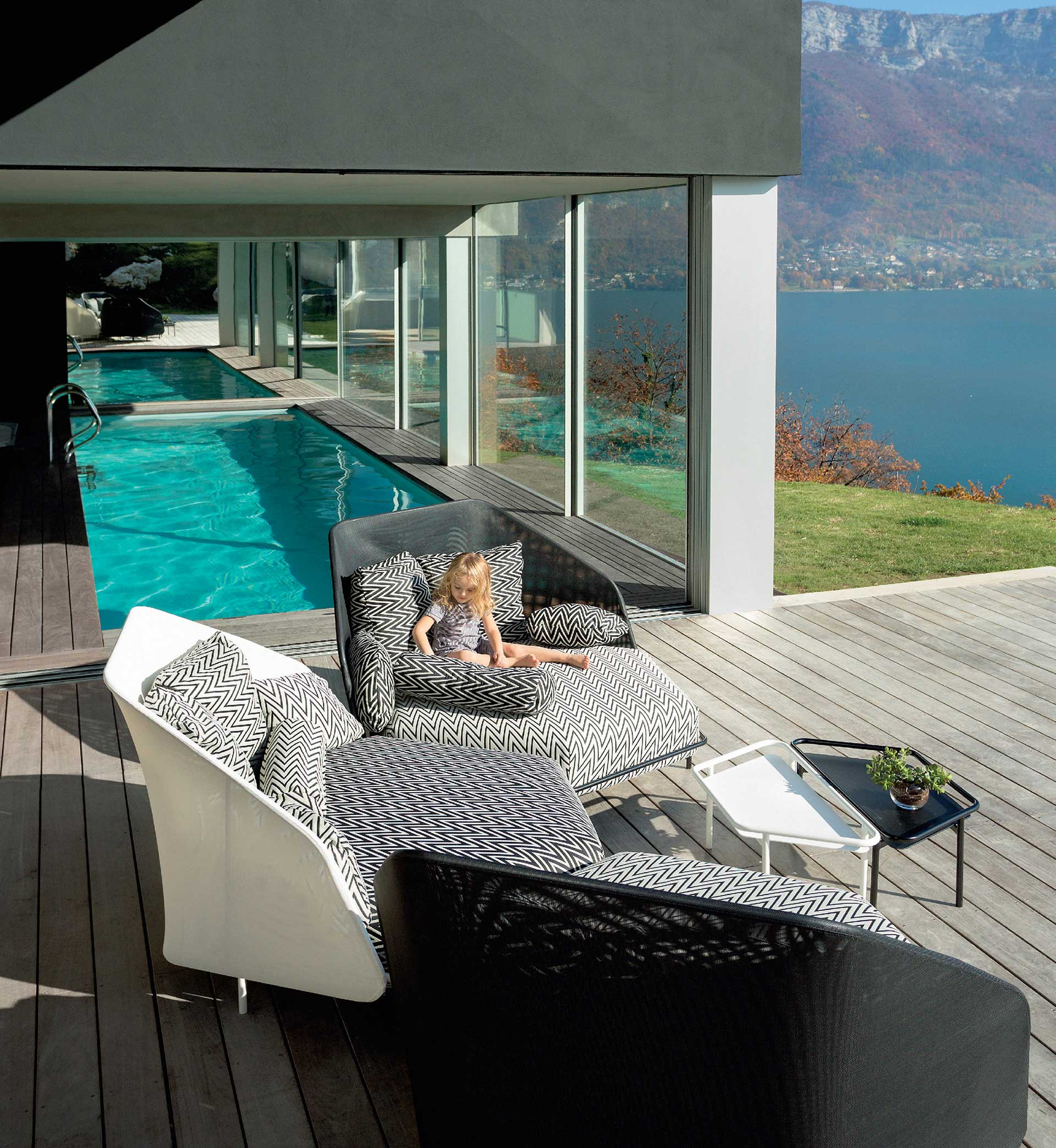 Modern ooutdoor furniture set