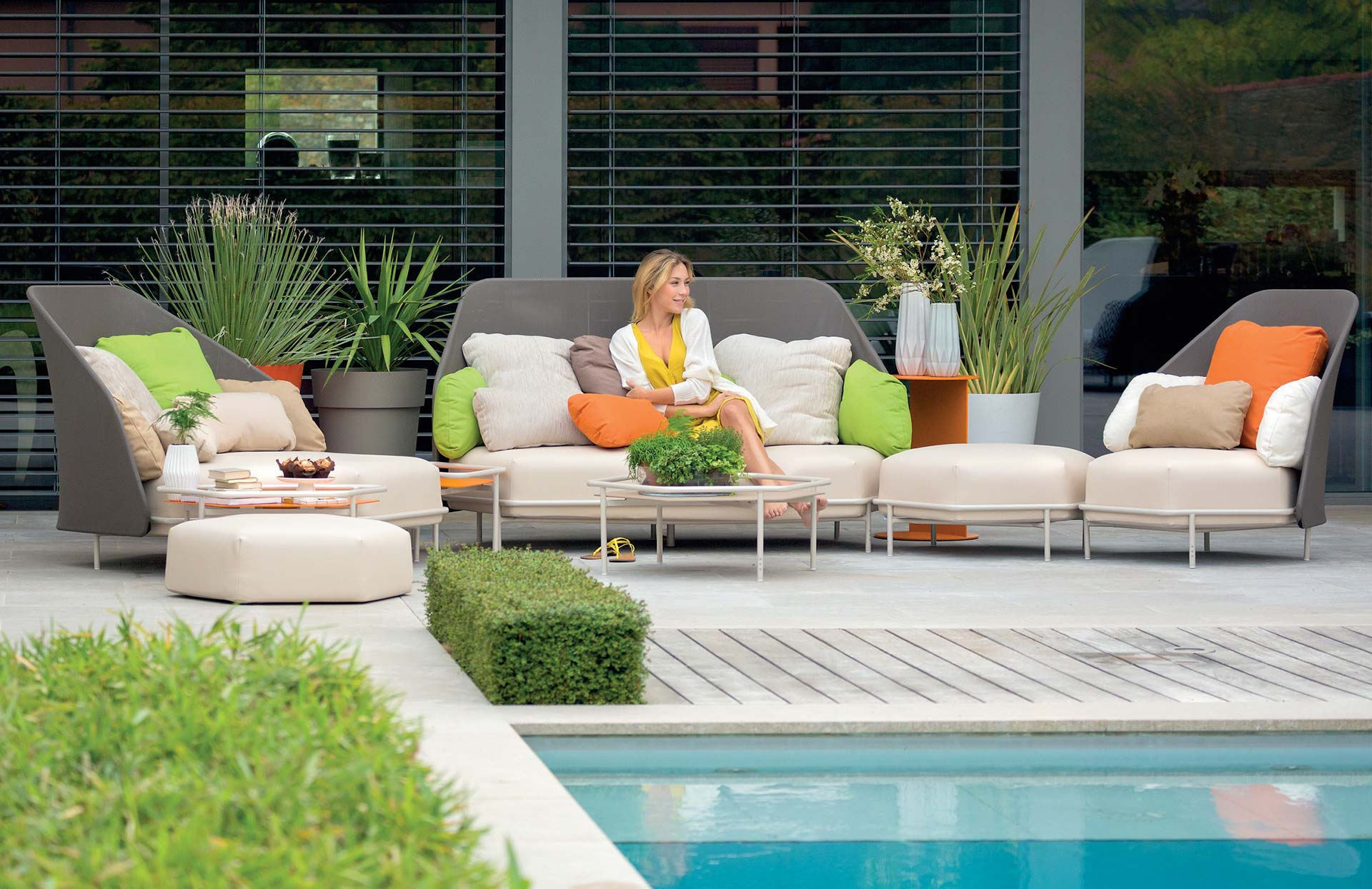 Hexagonal patio furniture