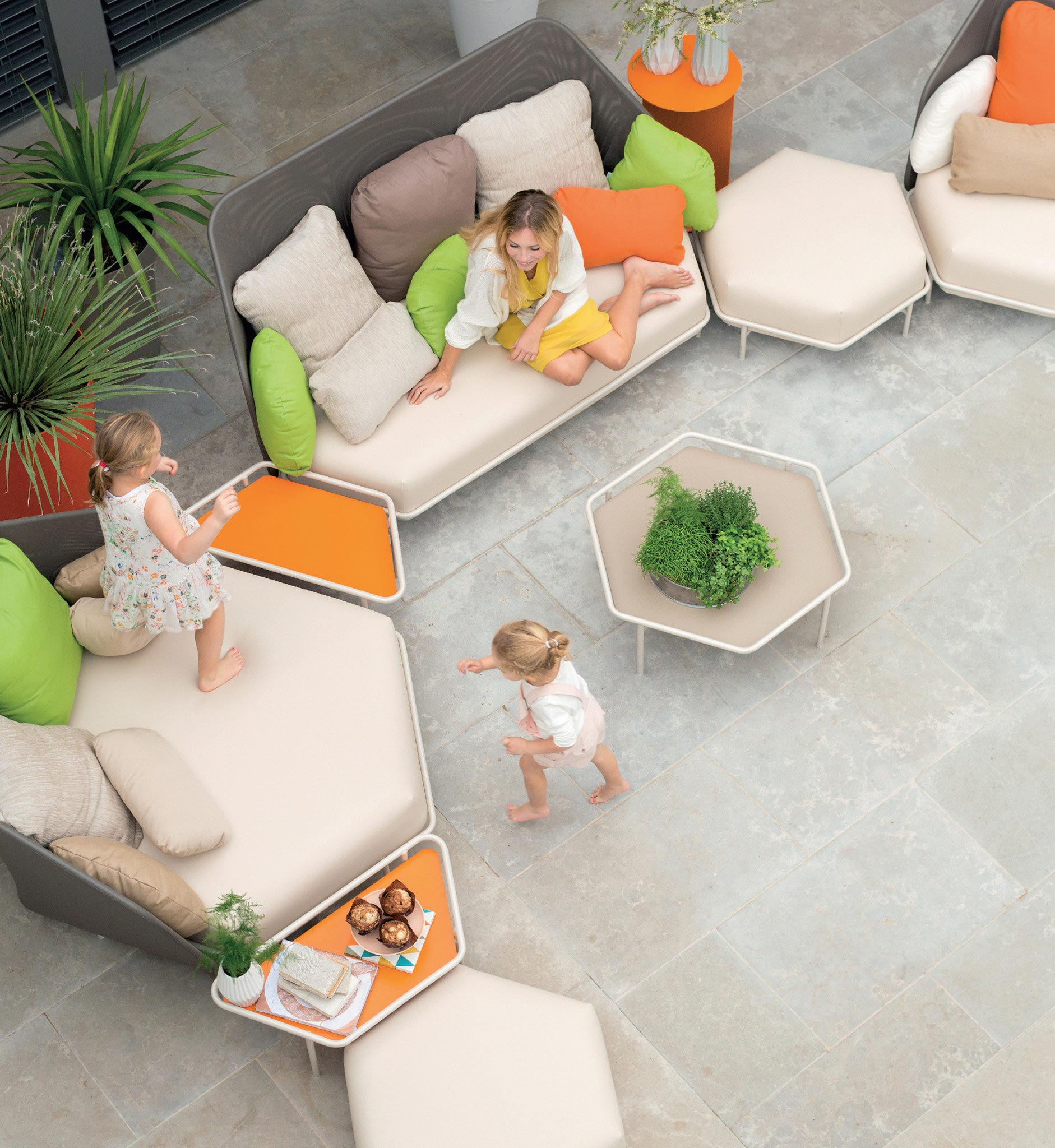Modern modular patio furniture
