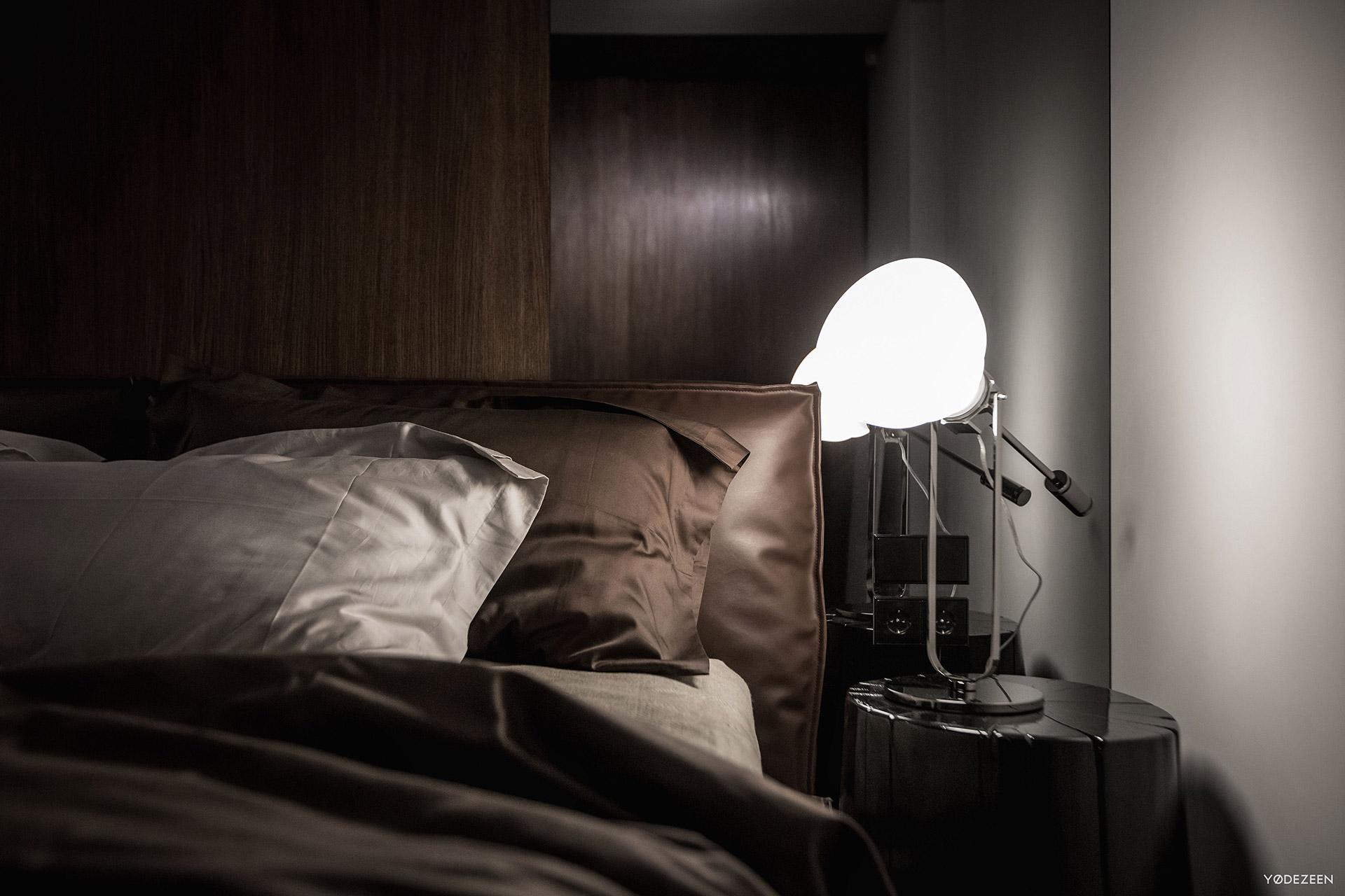 Bedroom nightstand lighting