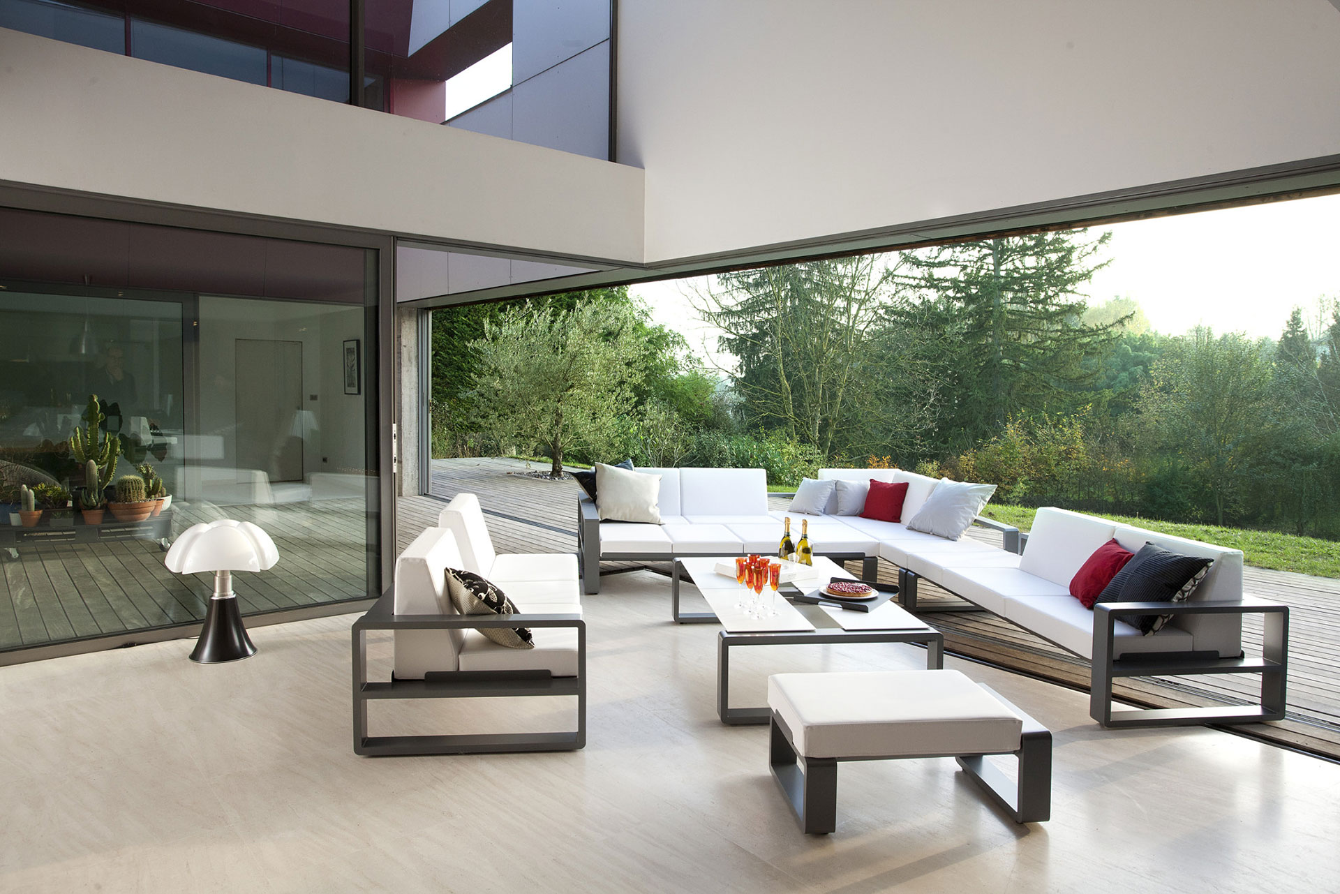 Exceptional Modern Patio Furniture With Red Cushions Contemporary Patio Furniture Set