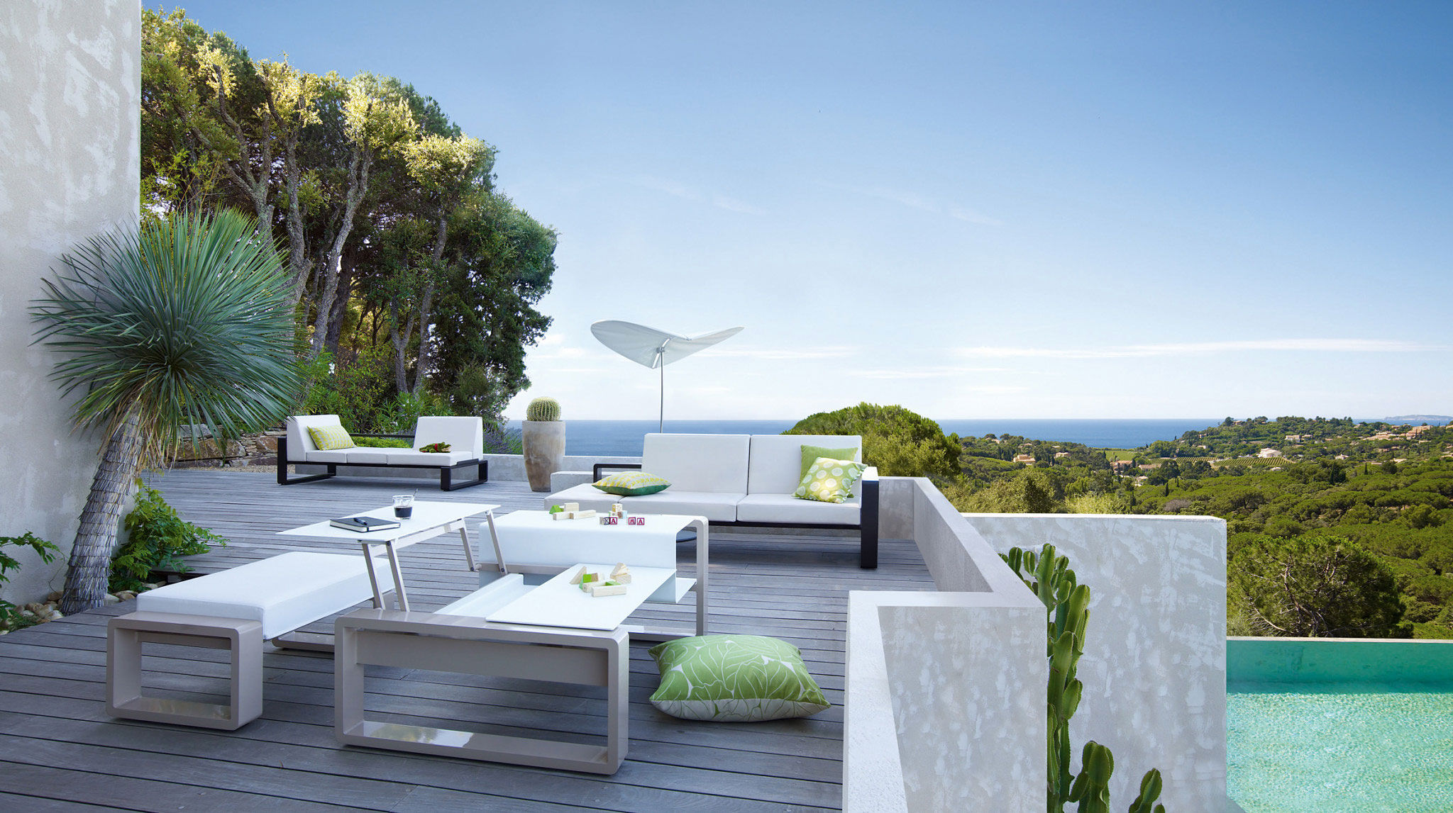 Modular patio furniture with adjustable table tops