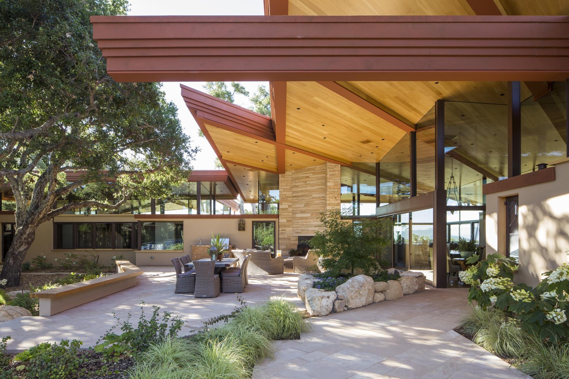 Fox Hollow's house patio