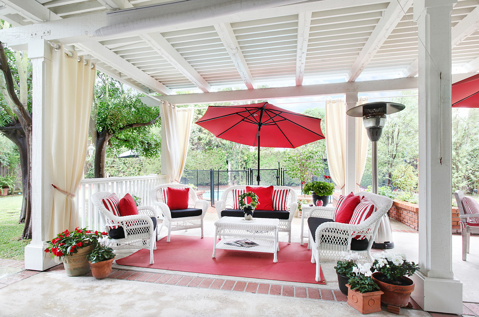 Beautiful white and red patio