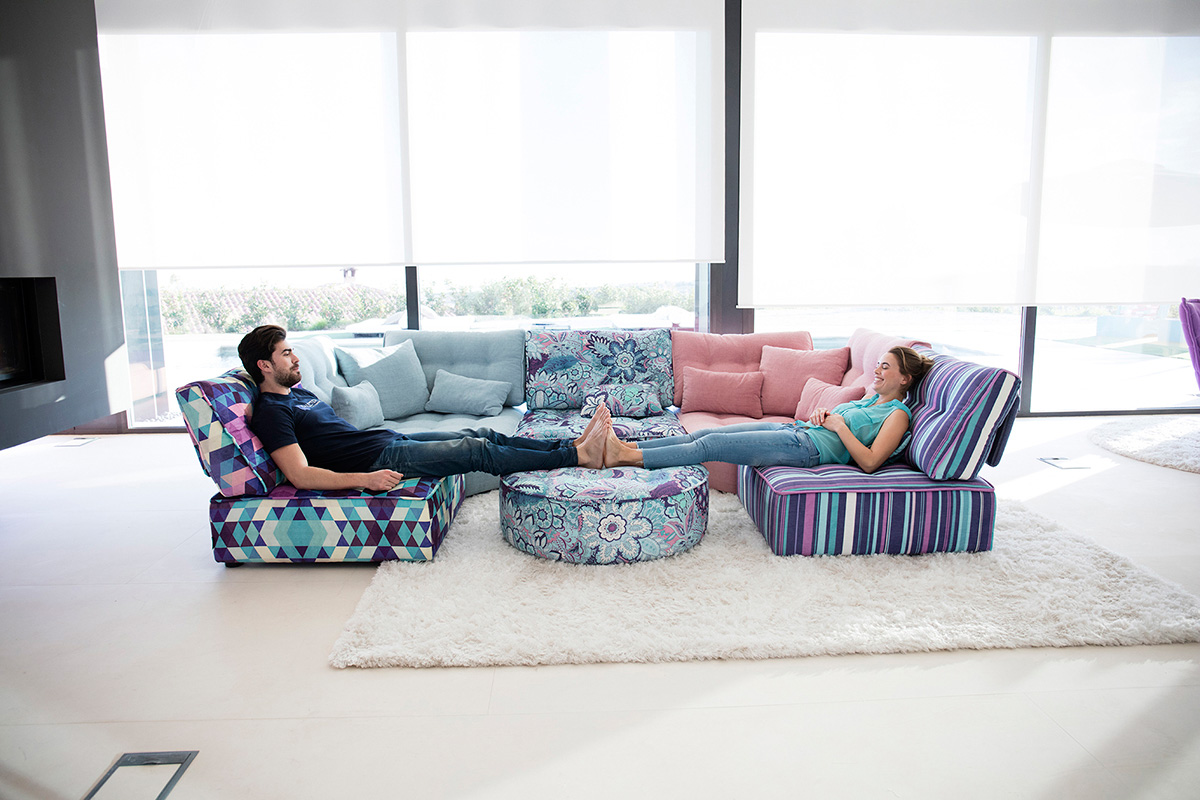 Arianne Love Sectional Sofa