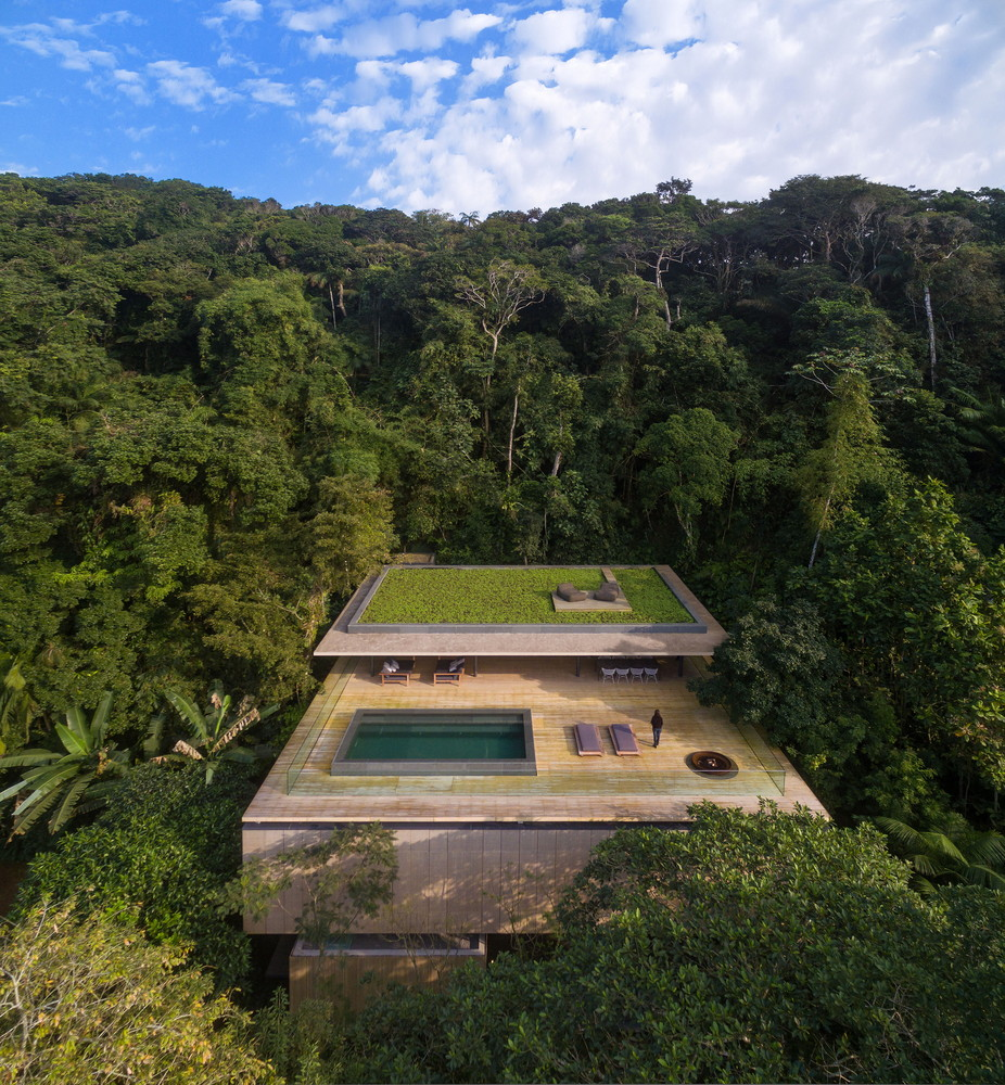 Modern architecture in Brazil's forest