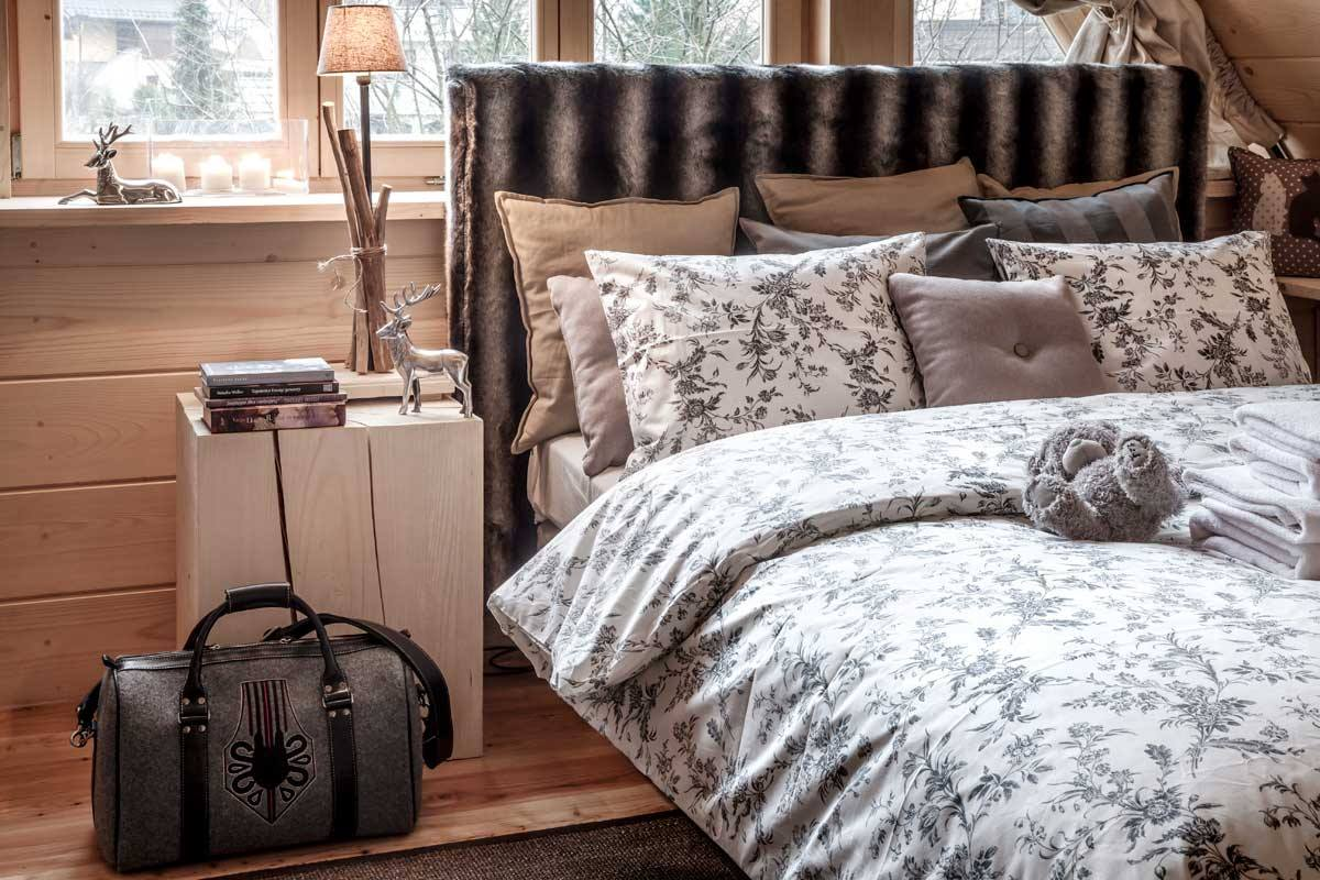 Cozy country bedroom design