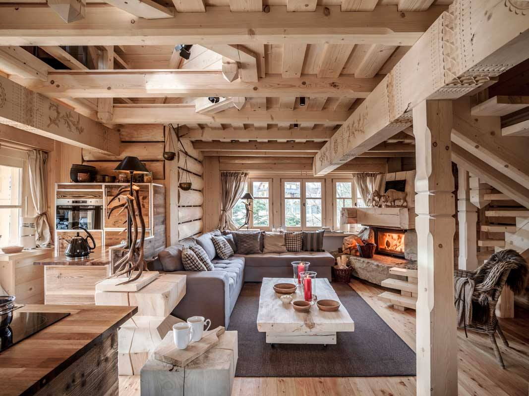 Cozy rustic living room design