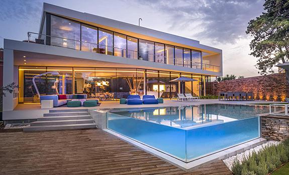 Modern Holiday Villa of Your Dreams