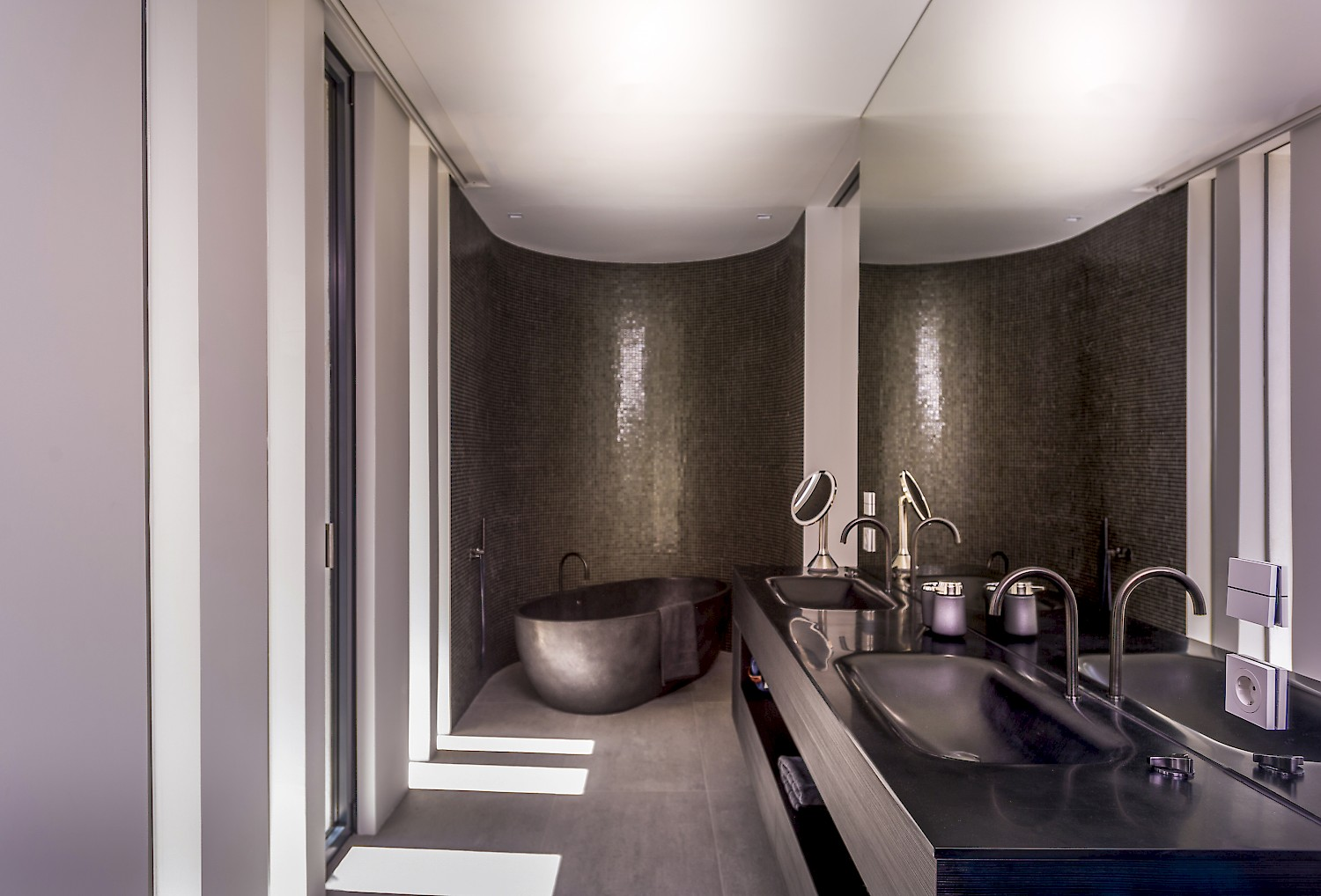 Modern dark metalic bathroom