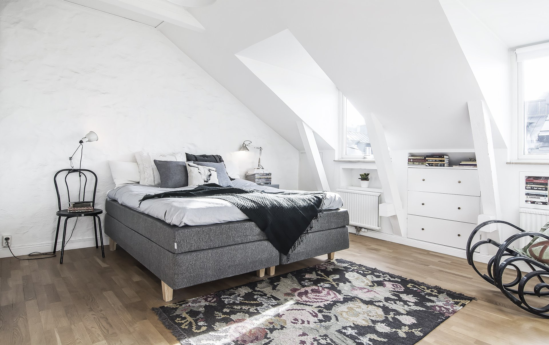Black and white apartment - attic master bedroom