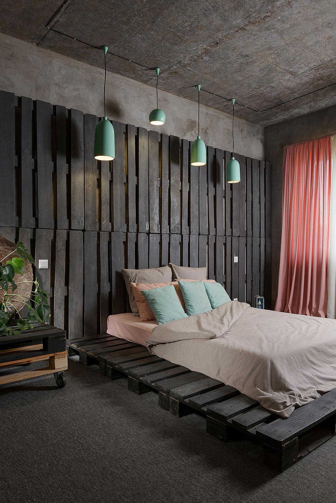 Mehr-Khaneh - Industrial style bedroom