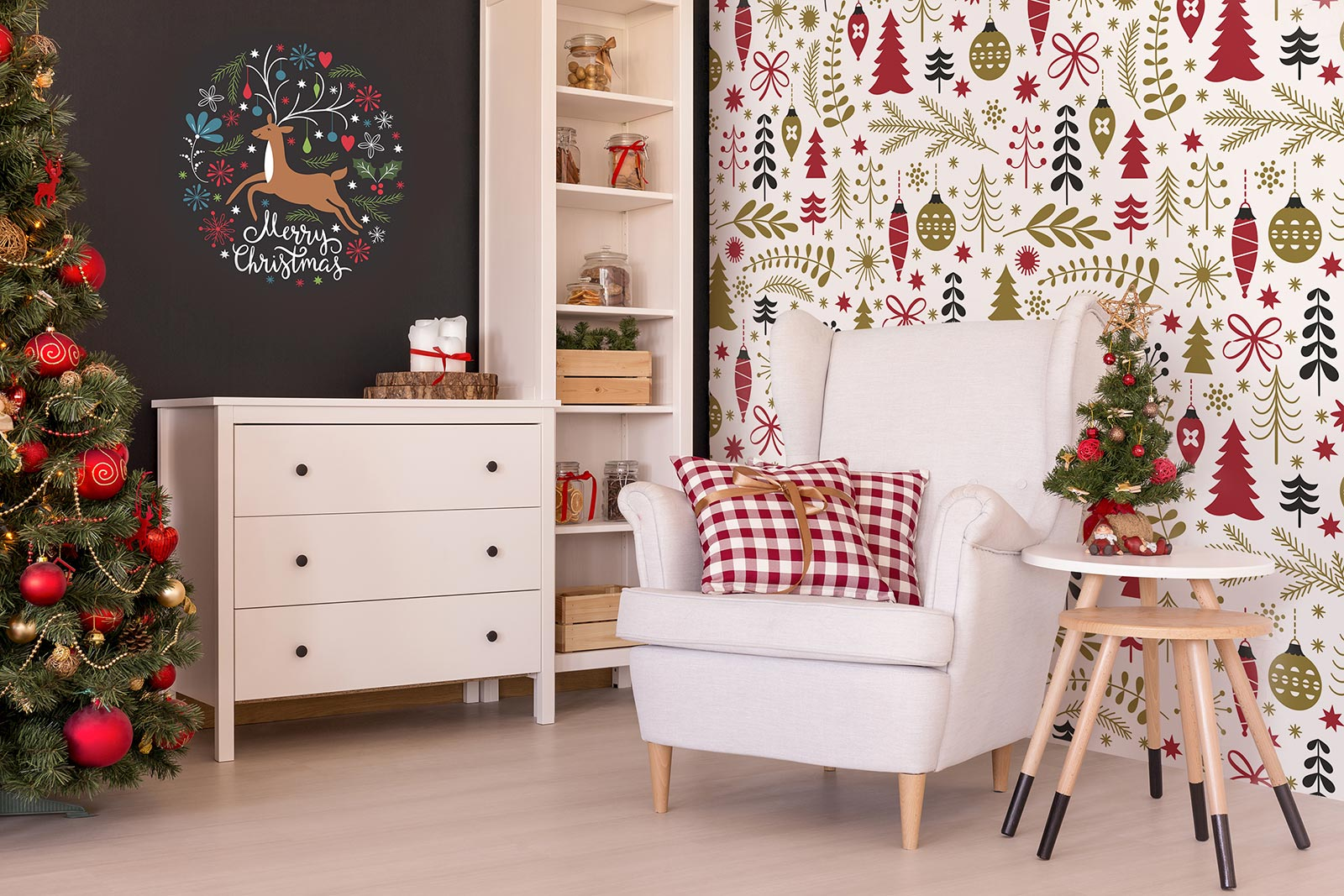 Christmas wall sticker in traditional colors