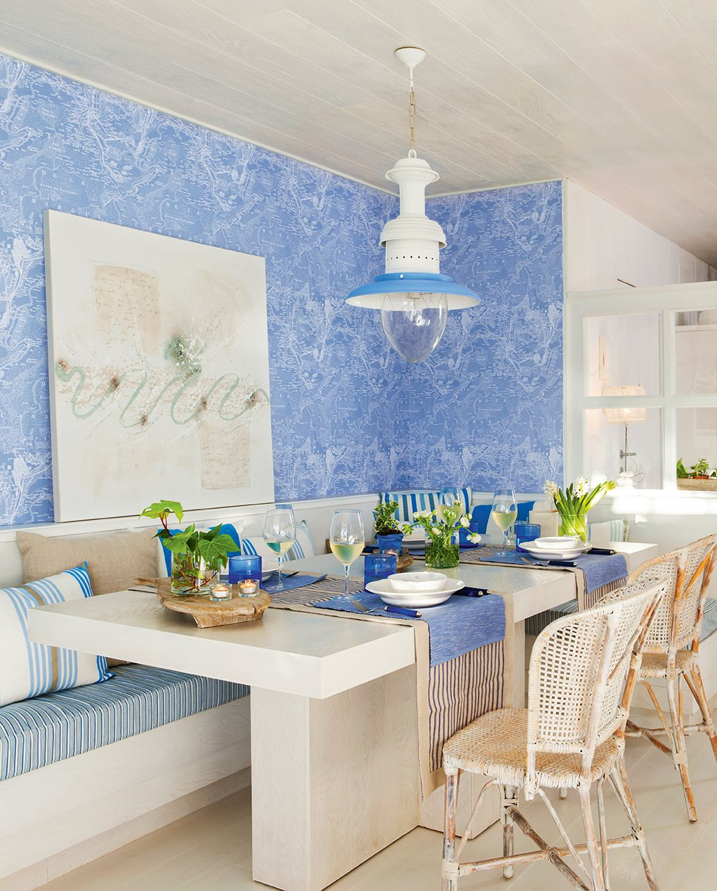 Blue coastal design dining area