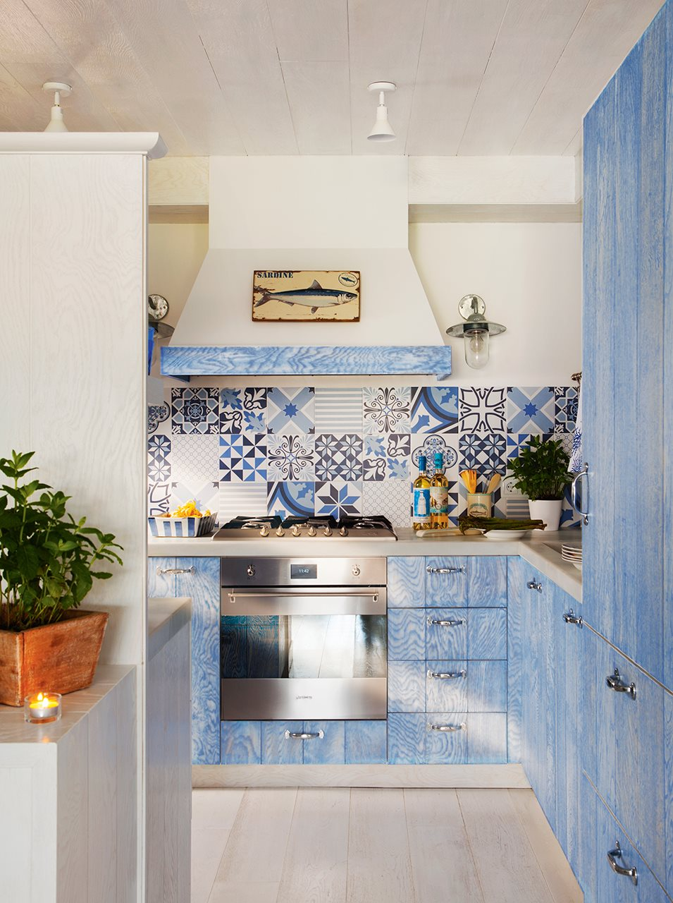 Coastal style blue kitchen