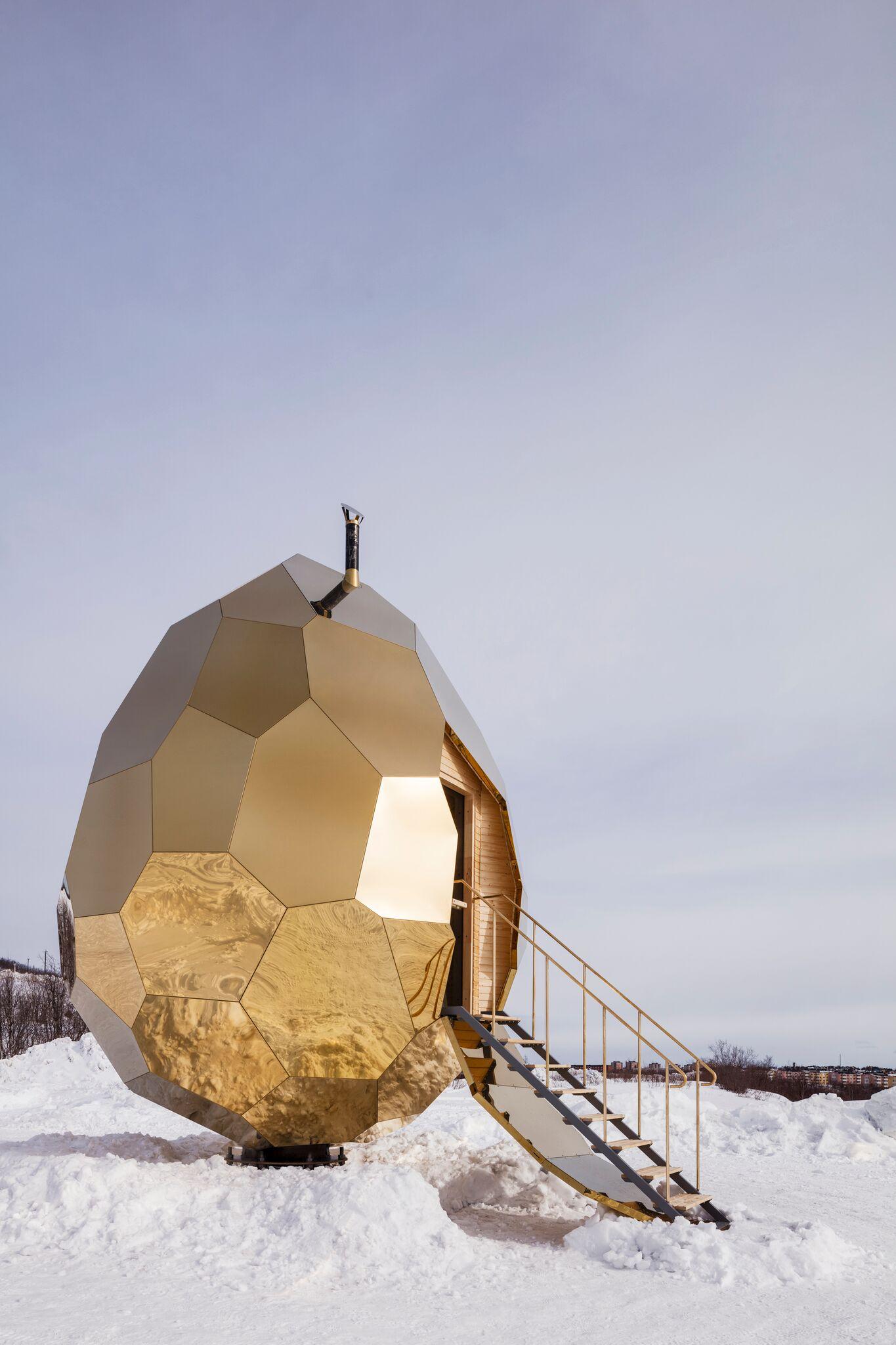 Egg shaped sauna