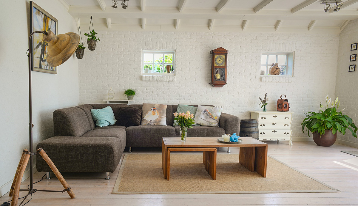How To Make Your Room Feel Cozy: Inviting Living Room