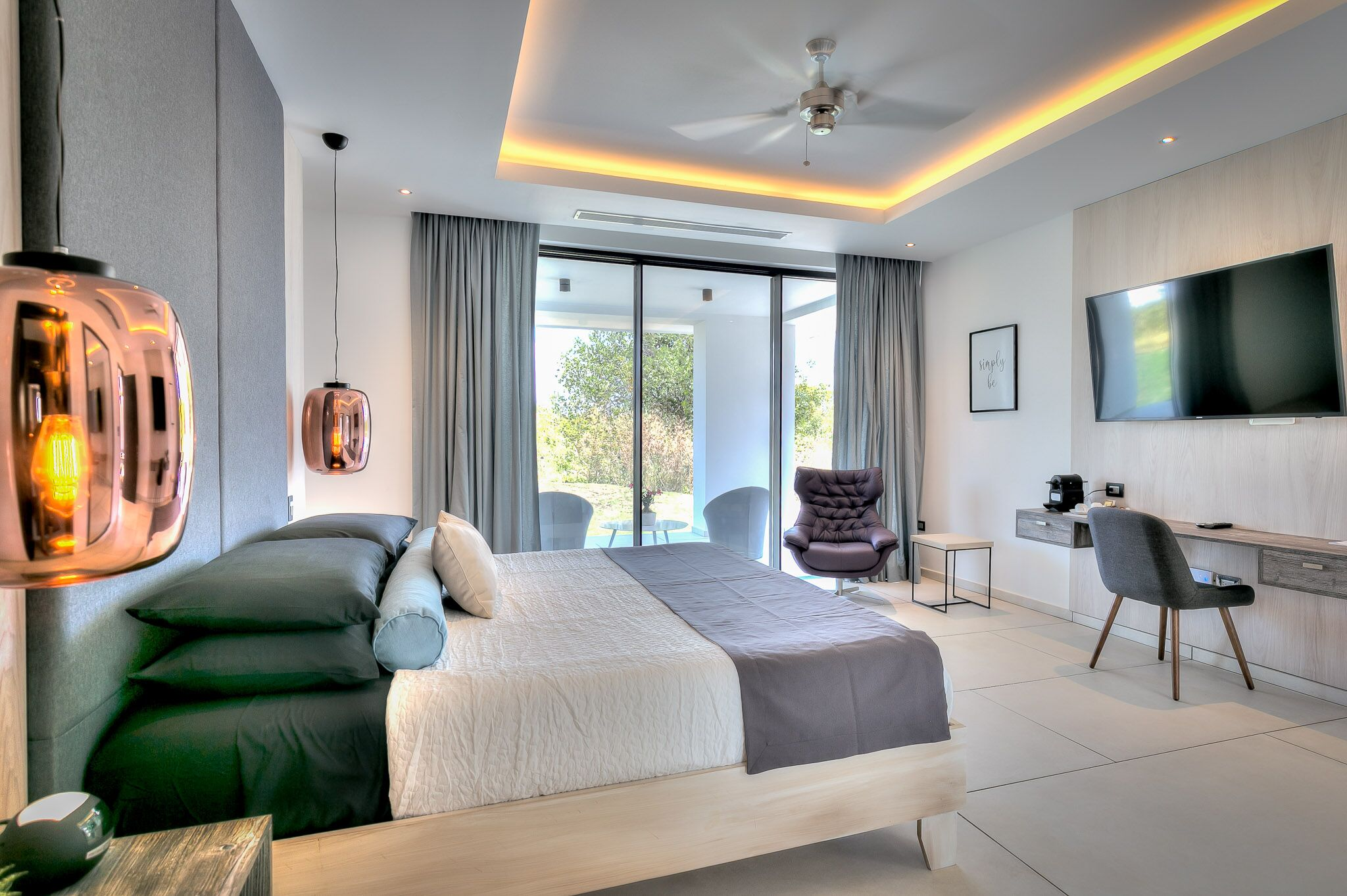Yarari Royale bedroom