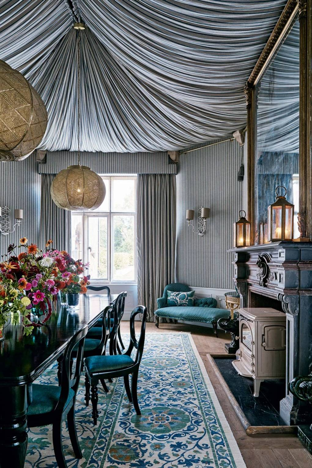 Stylish ceiling drapes