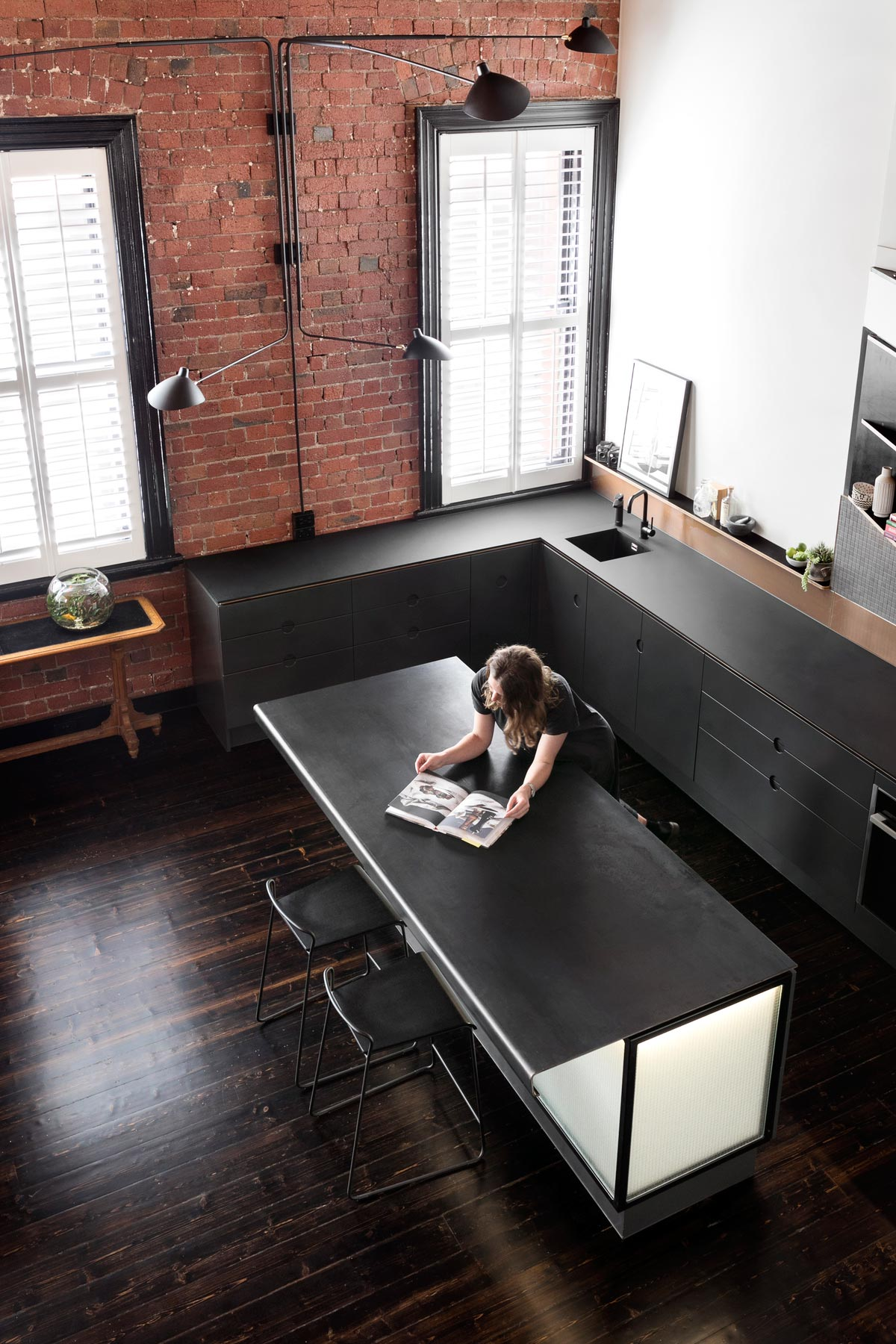 Black kitchen with an island