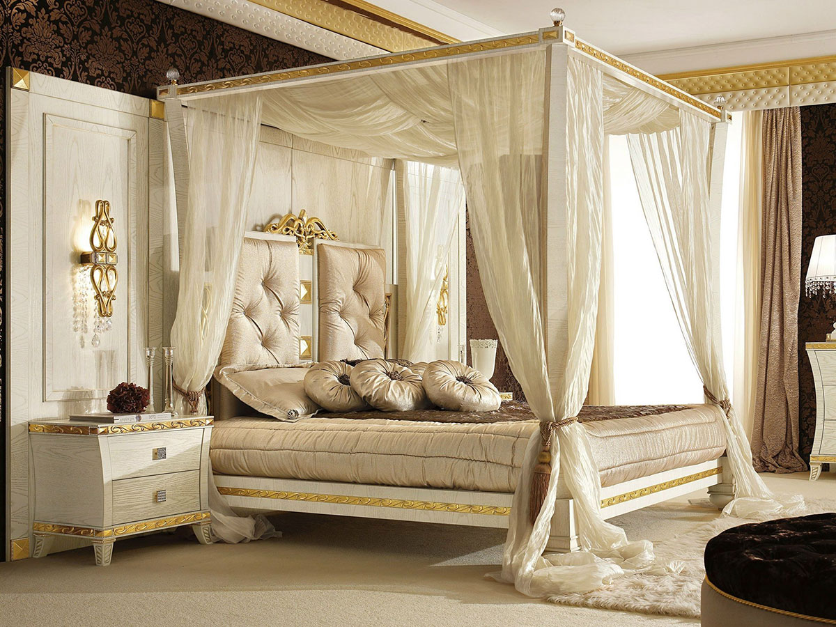 Lavish canopy bed