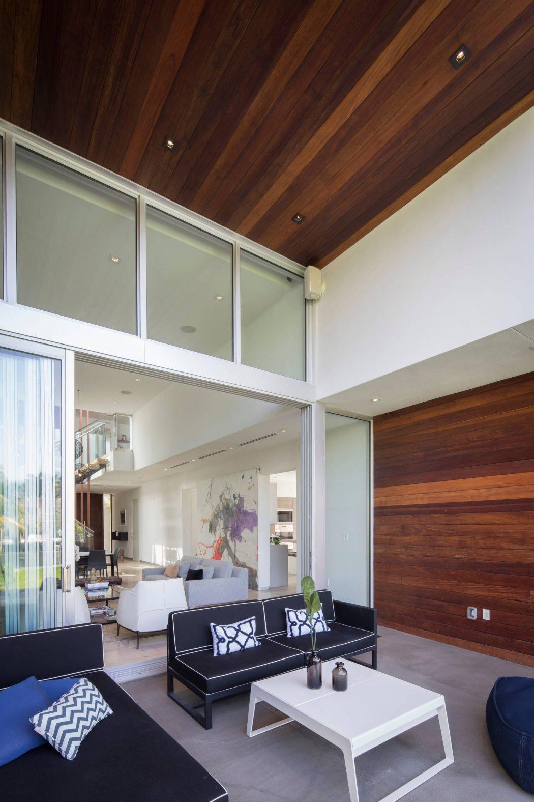 Miami Splendor - Amazing Two-story Family House-3