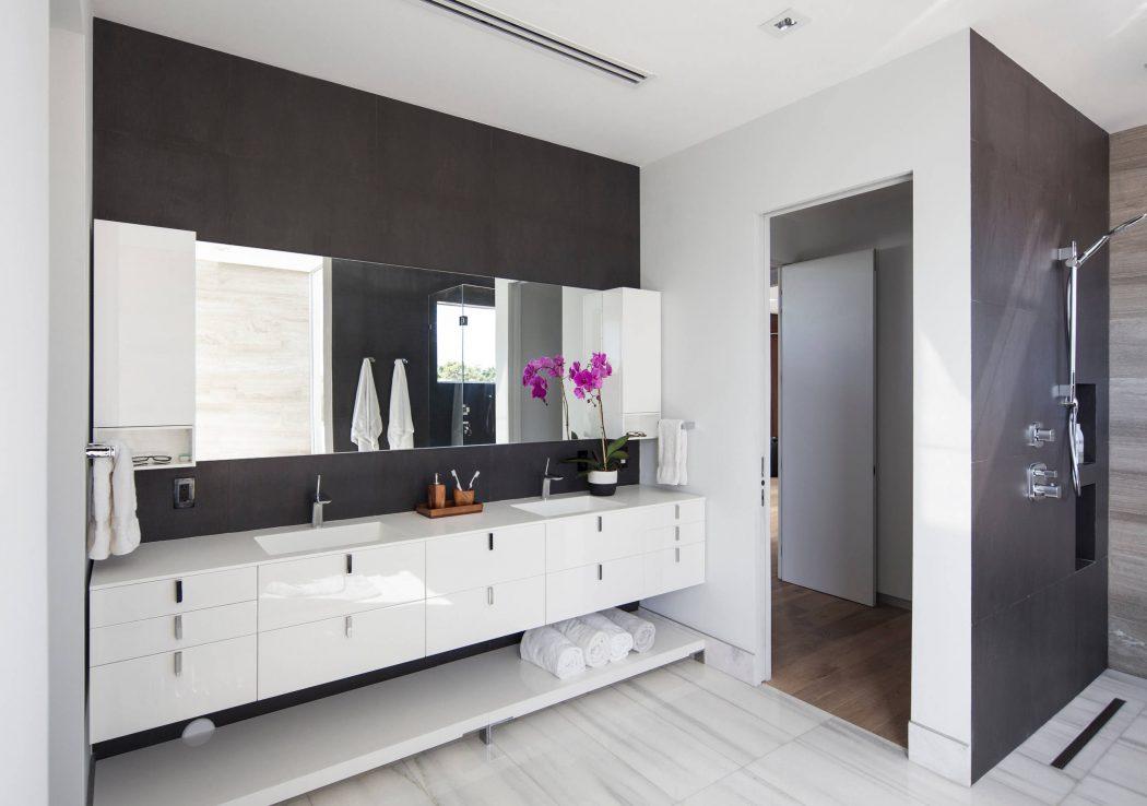 Miami Splendor - Amazing Two-story Family House - the bathroom