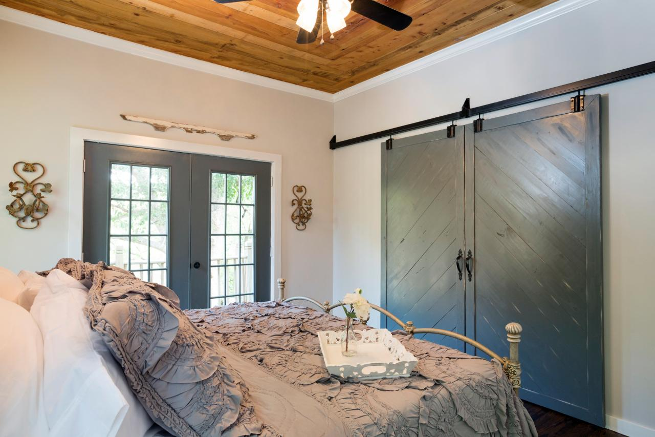 Barn closet doors