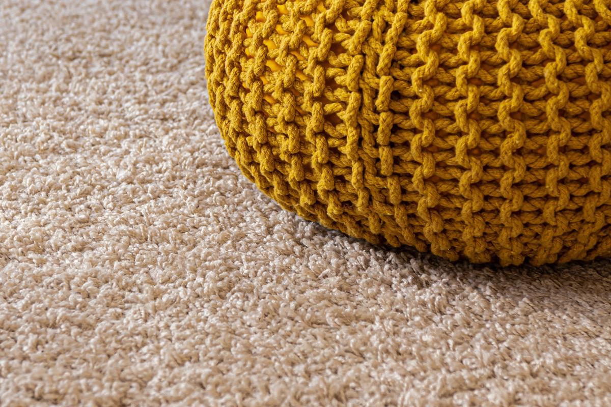 Carpet and pouf