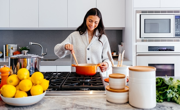 How to Create a Chef Style Professional Looking Kitchen at Home