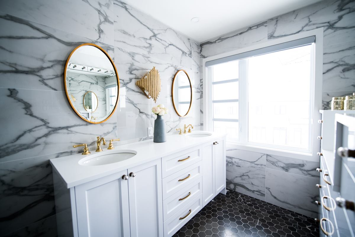 Bathroom renovation to create a glamorous look