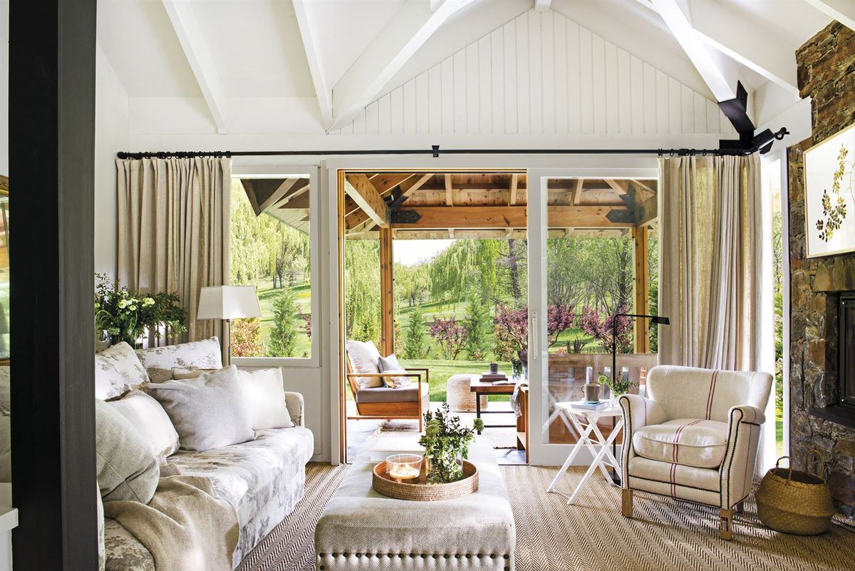 Country House with a Rustic Feel