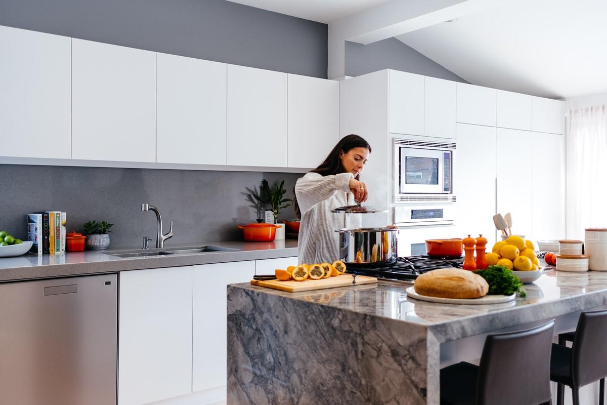 Clear kitchen zones