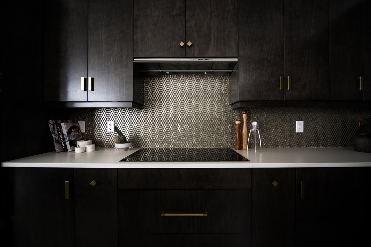 Dark tone kitchen