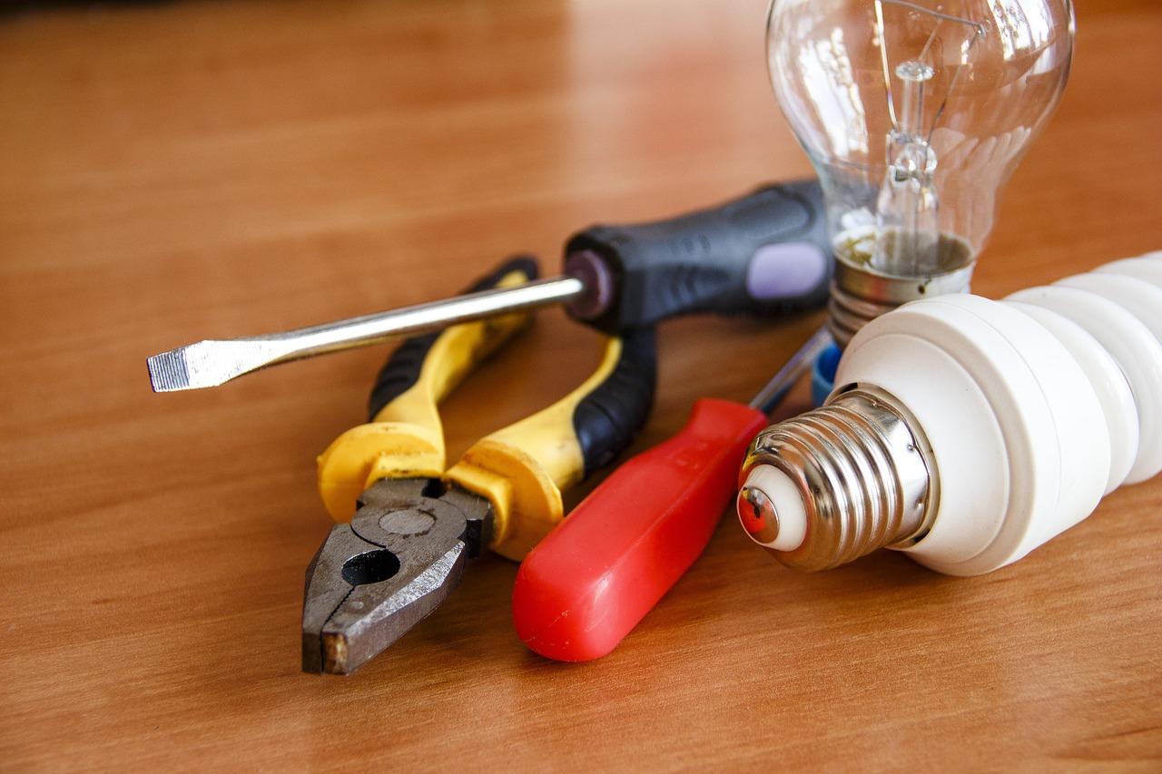 Electrical repair tools